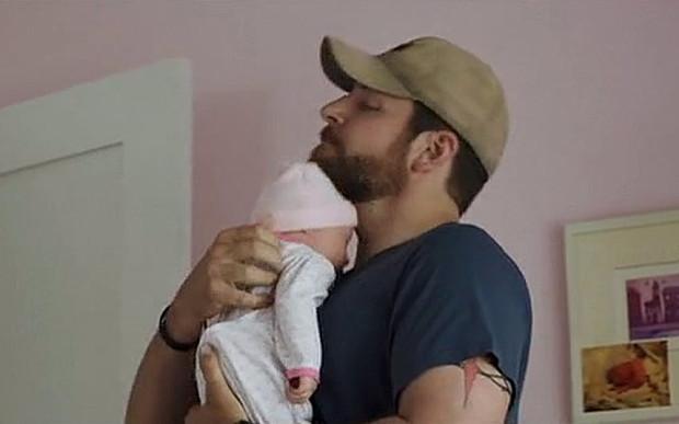 American-Sniper-bebe